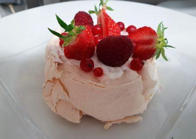 Pavlova fruits rouges de saison